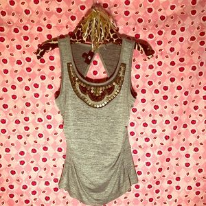 😘ALL TOPS 3 FOR $15. IZ Byer Sleeveless Gray Top